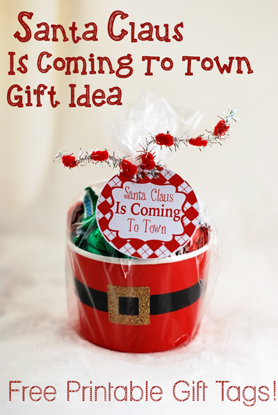 Free printable santa claus is coming to town gift tags major click here to see how these are assembled negle Images