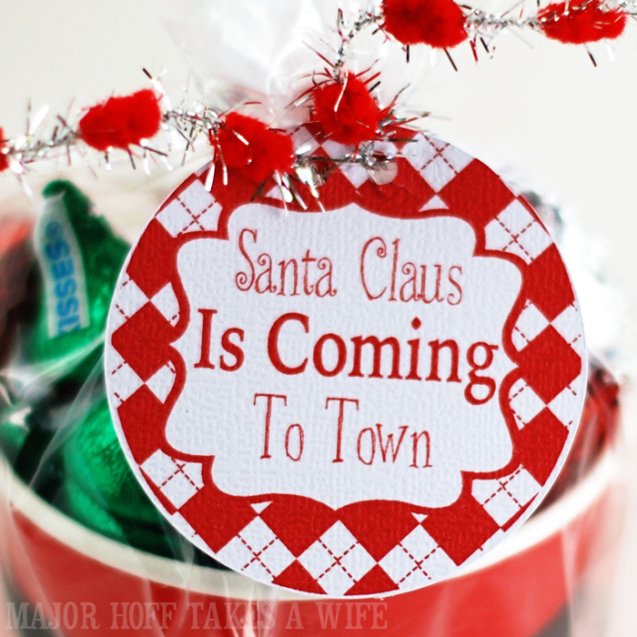 Free printable santa claus is coming to town gift tags major santa claus is coming to town free printable gift labels for christmas gift giving negle Images