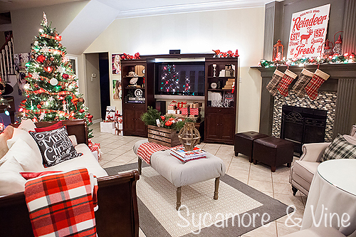 christmas decorations in a living room for a plaid country christmas