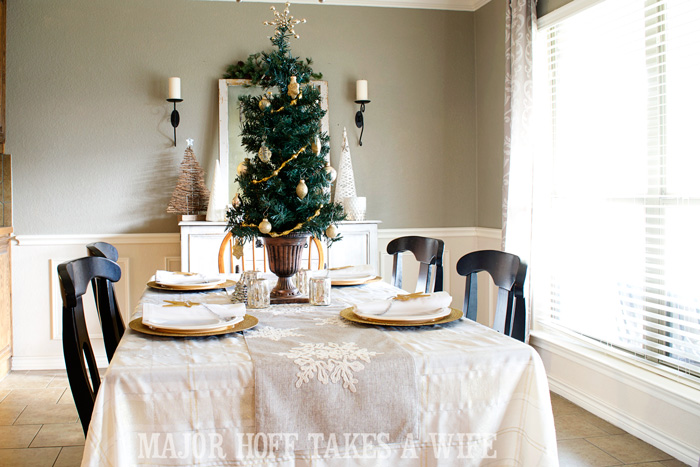 Use A Table Top Tree To Make A Simple Centerpiece. A Delightful Dining Room  Holiday