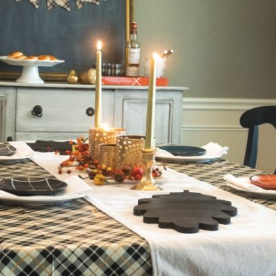 Plaid Thanksgiving Tablescape and Dining Room Decor