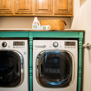 DIY An Oversized Table For The Laundry Room For Under $100