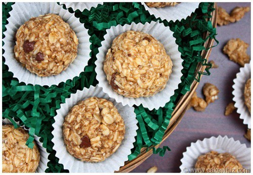 Peanut butter and cranberry balls