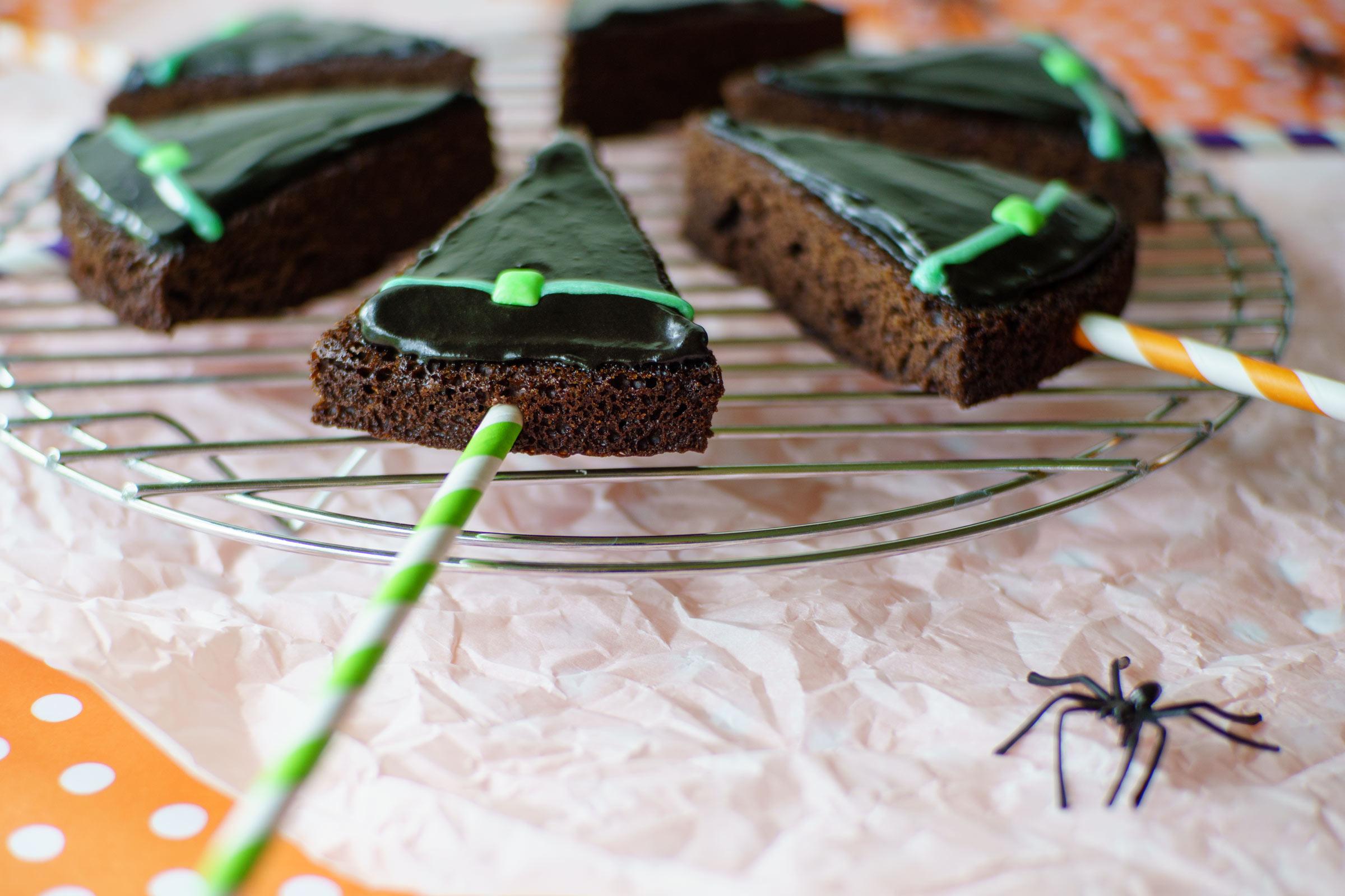 witch hat brownie pops