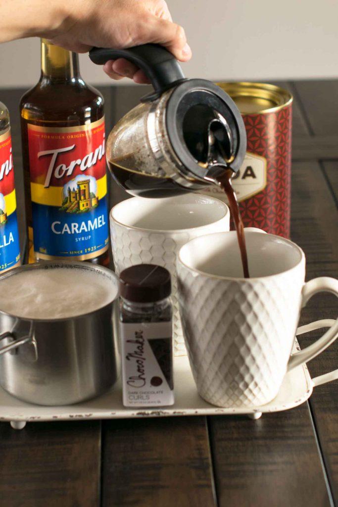 how to make a vanilla caramel mocha