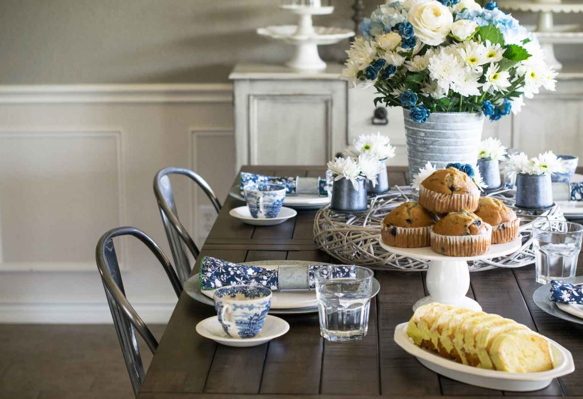 Blue and White China Spring Tablescape
