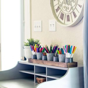 Farmhouse pencil and marker storage for desktop